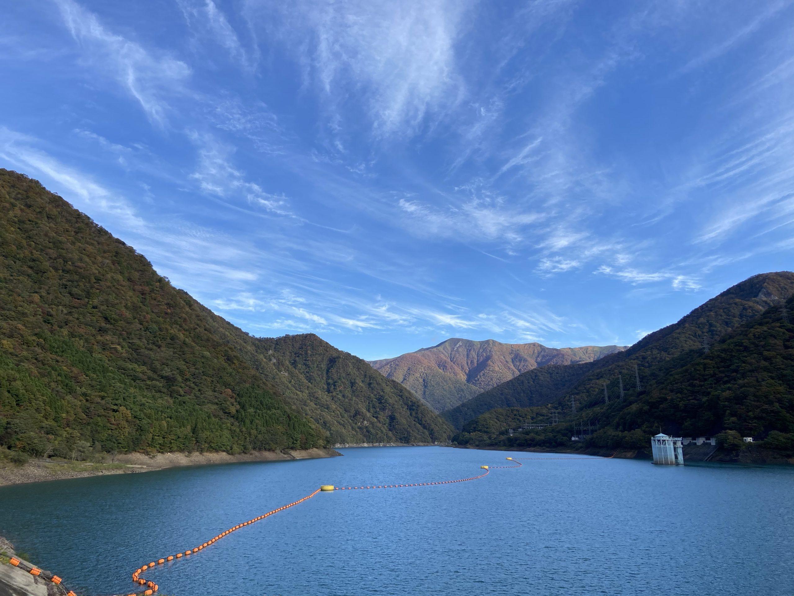 いいお天気の深山ダムの画像